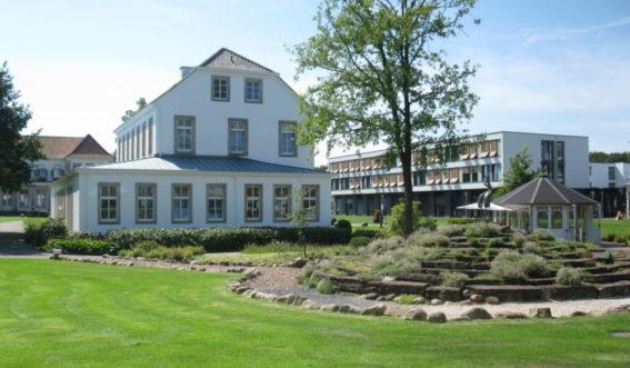 Klinikgebäude Bad Bentheim mit Pavillon