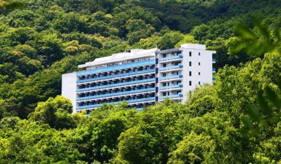 Gebäudeansicht der Klinik Nahetal in Bad Kreuznach