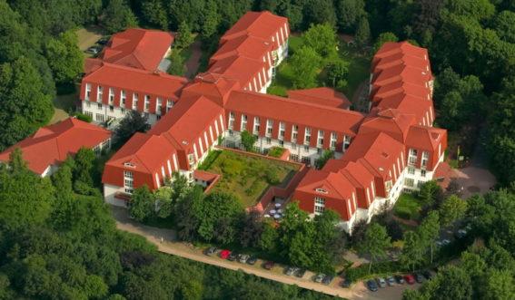 Luftaufnahme der Klinik Porta Westfalica