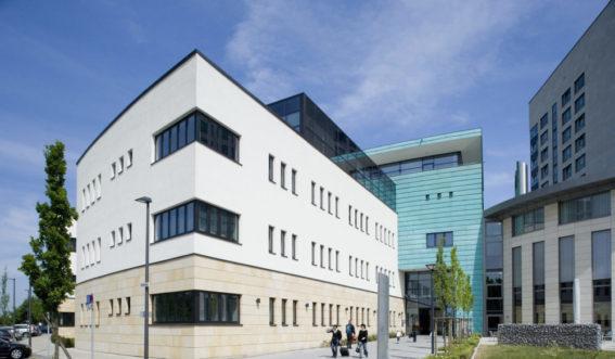 Gebäudeansicht der medicos.AufSchalke Reha in Gelsenkirchen